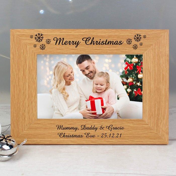 Oak Finish 6x4 Snowflake Photo Frame