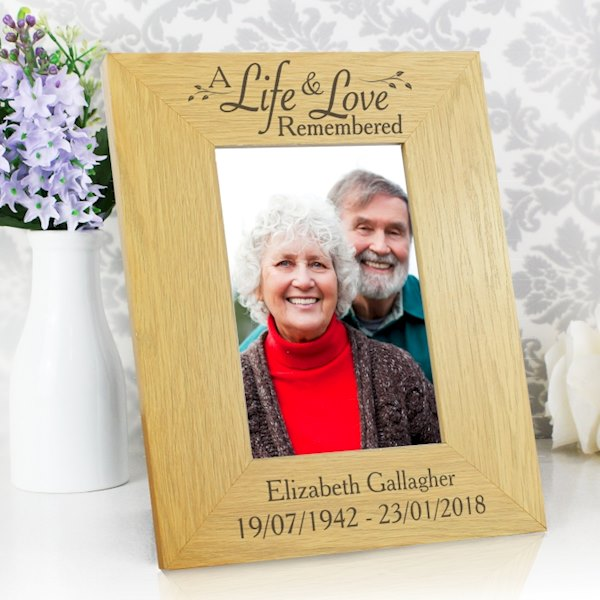Life & Love Oak Finish 4x6 Photo Frame