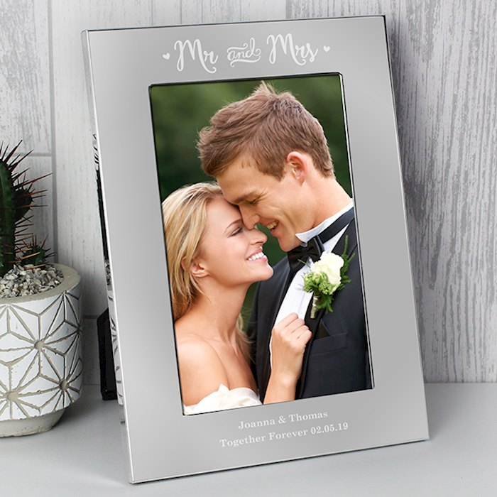Silver Mr & Mrs 4x6 Photo Frame